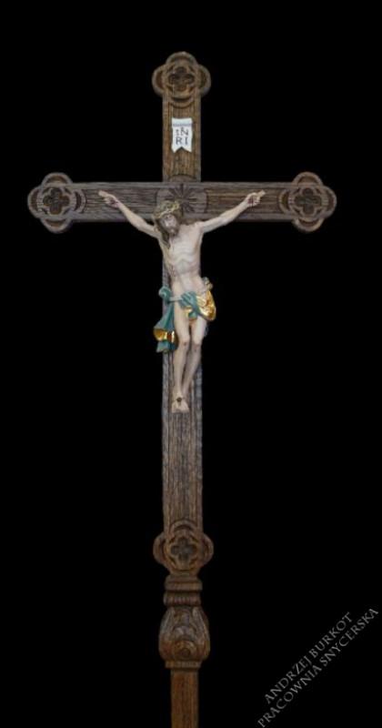 Krzyż procesyjny drewniany detal