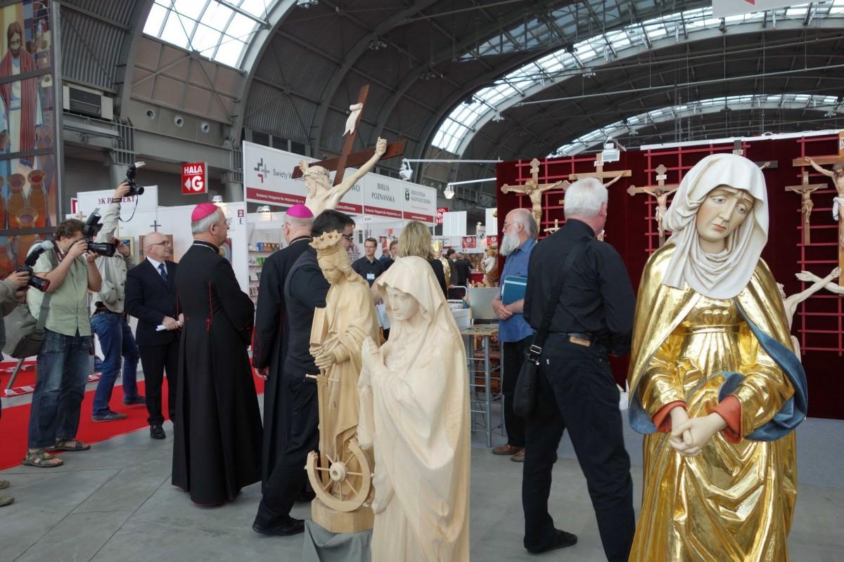 SacroExpo 2015 - drewniane rzeźby sakralane