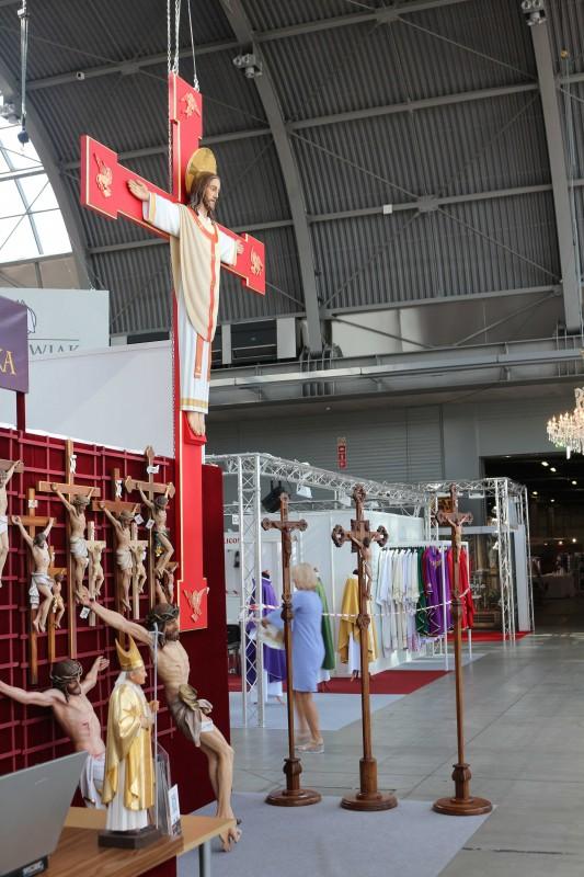 Drewniane krucyfiksy i krzyże - Andrzej Burkot Pracownia Snycerska - SACROEXPO 2017