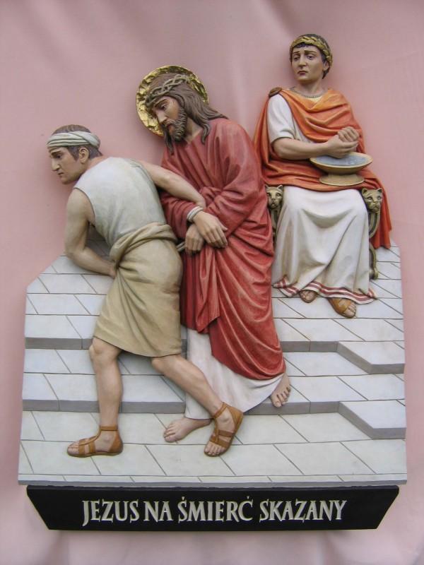 Stacja drogi krzyżowej - Pan Jezus na śmierć skazany - płaskorzeźba w drewnie