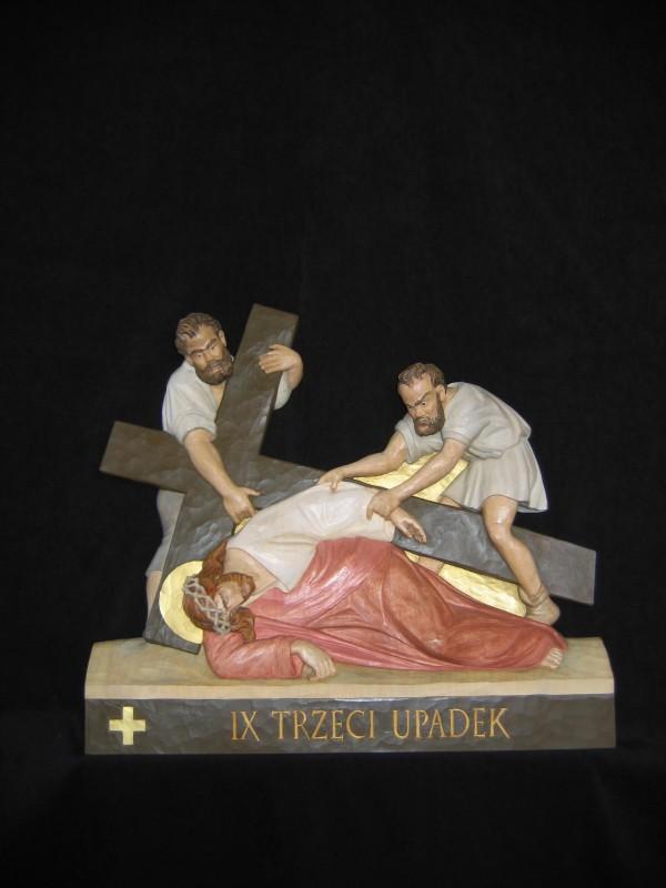 IX stacja drogi krzyżowej - Trzeci upadek - płaskorzeźba, rzeźba, figura w drewnie