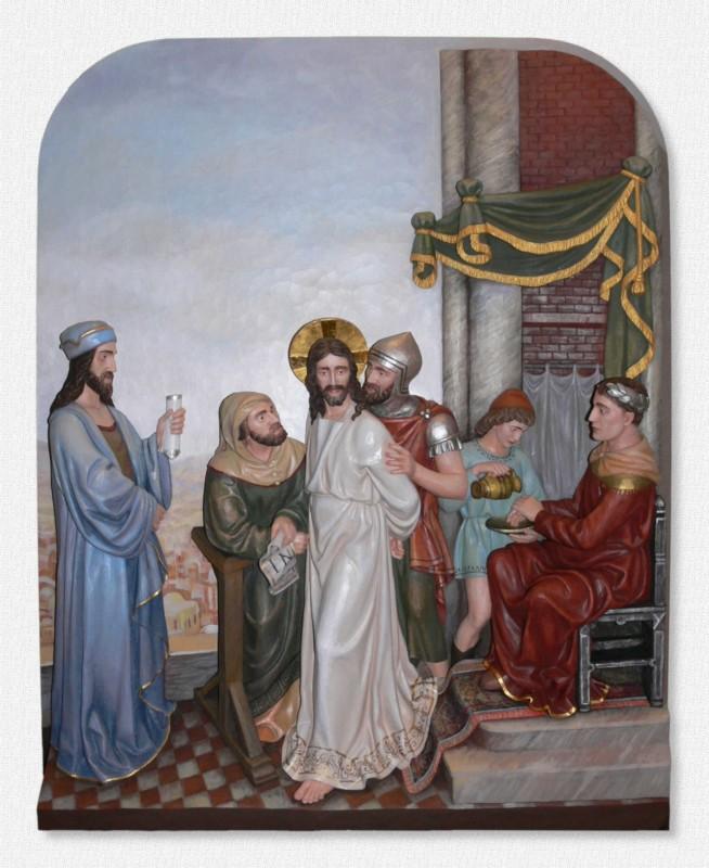 Stacje Drogi Krzyżowej - Stacja 1 - Pan Jezus na śmierć skazany - płaskorzeźba drewniana