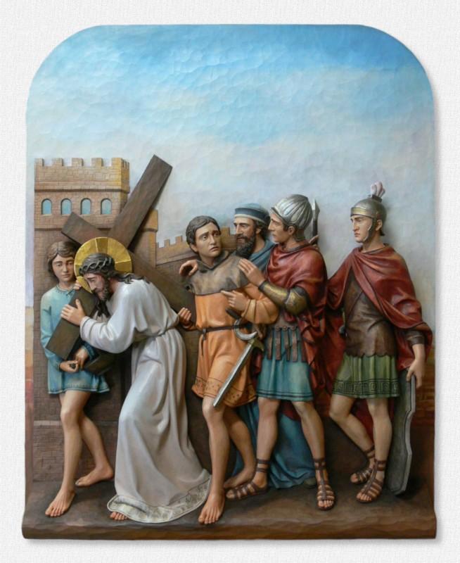 Stacje Drogi Krzyżowej - Stacja 5 - Szymon Cyrenejczyk pomaga nieść krzyż Jezusowi - snycerstwo artystyczne