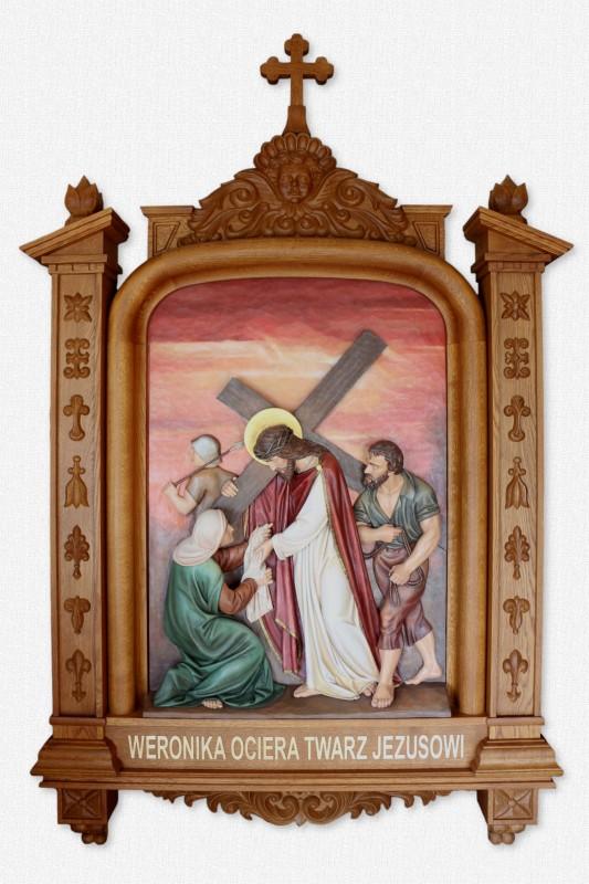 Stacja Drogi Krzyżowej - Święta Weronika ociera twarz Jezusowi - płaskorzeźba w dębowej ramie