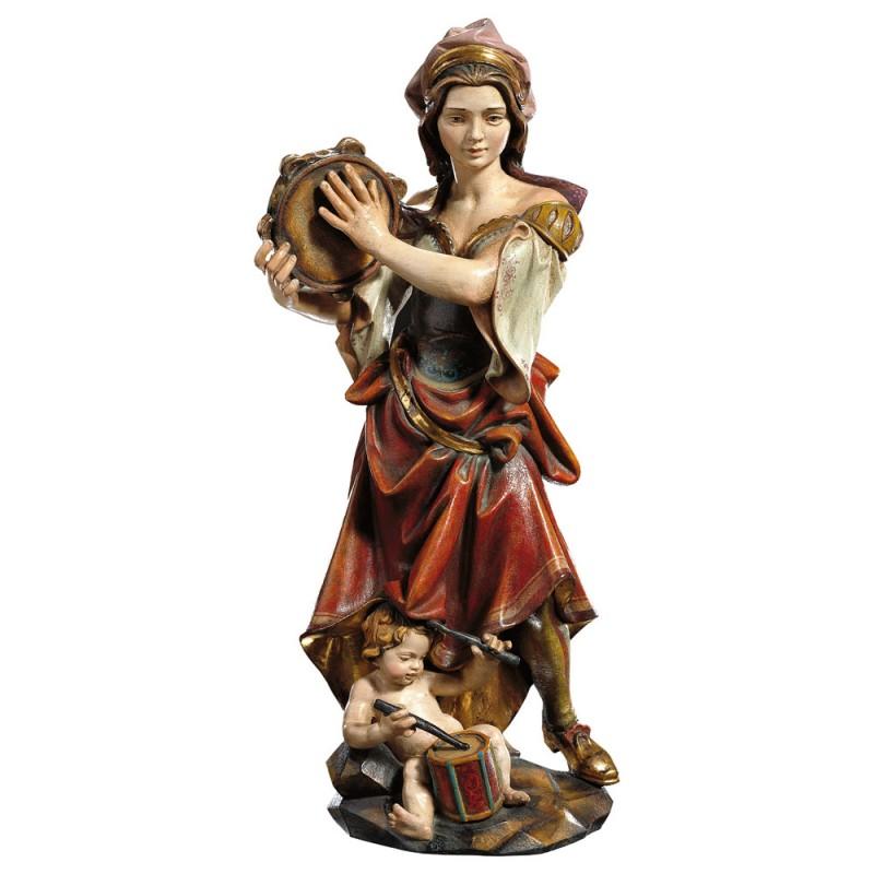 Dziewczyna grająca na tamburynie z dzieckiem - figura drewniana